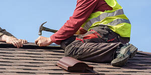 Save on Roofer Contractor Insurance by Improving Roofer Safety